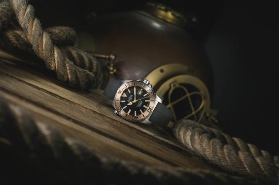 DAVOSA Bronze 海神系列 TT青銅專業排氦氣300M潛水限量錶 限量編號:188/300