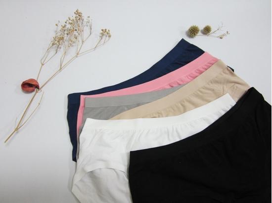 圖片 【SOFT LIGHT】「水漾美臀」創新無縫膠原蛋白中腰三角褲(超值8件組)-美