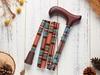 繽紛生活折疊手杖 茶香月季紅格紋 情境照