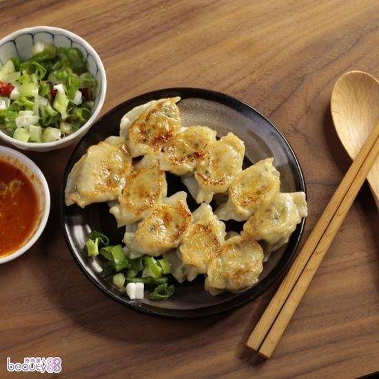 圖片 【華得水產】鮭魚炒飯2盒+東港新鮮魚肉水餃2盒【 總共4件組 】[237159]
